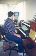 Pianist using a Bambach Saddle Seat